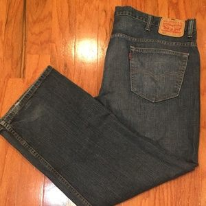 Levi 569 W42 L30 Men distressed straight jeans